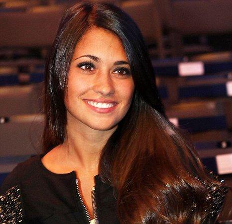 Antonella Roccuzzo lionel messi wife