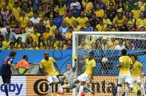 Daley Blind second goal against Canarinho