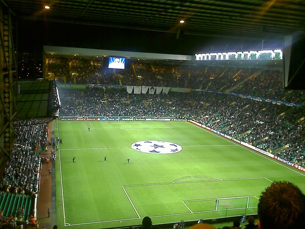 Top 10 loudest football stadiums (4)