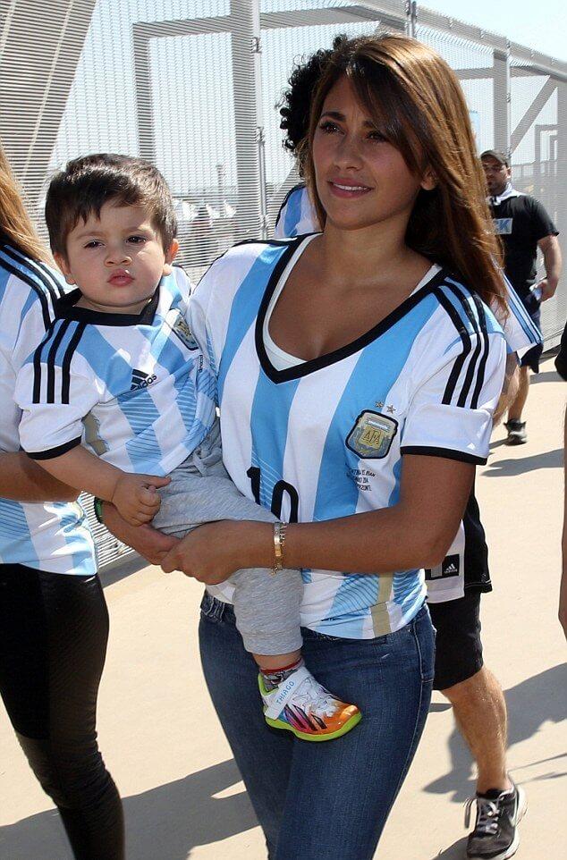 Antonella Roccuzzo 2015 Copa America Pictures, Images
