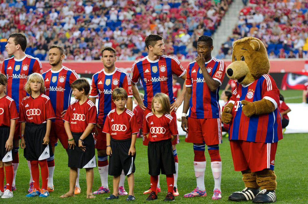 Bayern Munich robert lewandowski 2017 photo